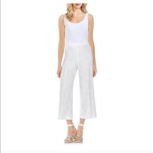 NWT Vince Camuto white Lacey pants size 6